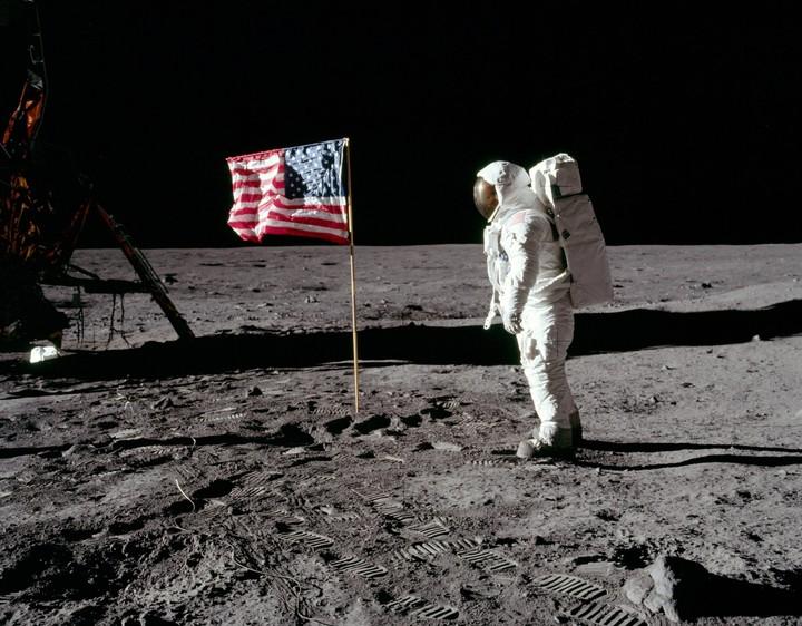 Apollo 11 Moon Landing (Recreation)